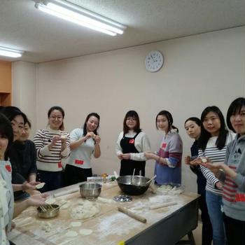 留学生と餃子つくり!!