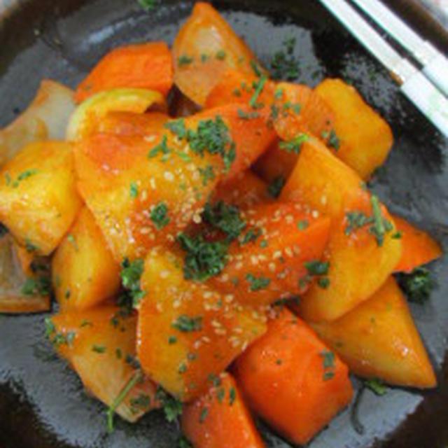 ★じゃが芋とにんじん、玉ねぎで野菜トッポキ。