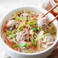 【人気のスープレシピ】カニカマえのきの肉団子とろみスープ