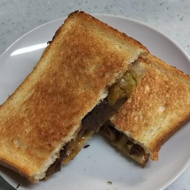 夕べは焼き肉だったね。名残惜しい朝のお手軽焼き肉サンド【 #ホットサンド #焼き肉アレンジ #お手軽 】