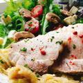 豚バラの春キャベツ蒸し【蒸し豚】ブリーチーズのサラダ添え(動画有)
