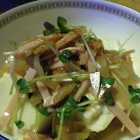 ハムとザーサイのピリ辛豆腐サラダ