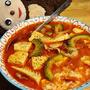 ピリ辛味が合う!【ゴーヤーと豆腐のピリ辛雑炊】レシピ