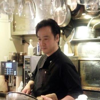 今日は柏でたまたま通りかかった洋食屋さんでランチビーフシチュー、カニクリームコロッケと美...