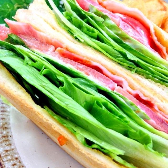 驚愕のレタス*B(ベーコン)L(レタス)T(トマト)サンドイッチ