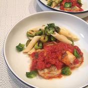 フェンネル風味の鱈を軽いトマトソース煮込みで