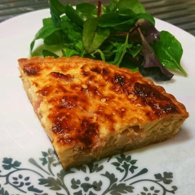 フランスは母の味!ド定番の前菜が食卓に花を咲かす!今日は[キッシュロレーヌ]。