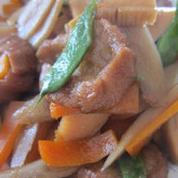 「油麩と根野菜の煮物」