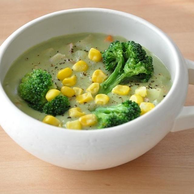 【簡単レシピ】野菜不足を解消!グリーンシチュー