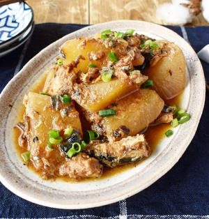 サバの味噌煮缶で染みうま【大根とさば味噌の炊き合わせ】10分/冷蔵3日/レンジ→鍋