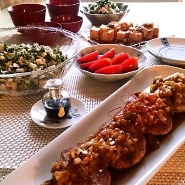 鯖と蓮根バーグのネギソースと山形のだしサラダ。