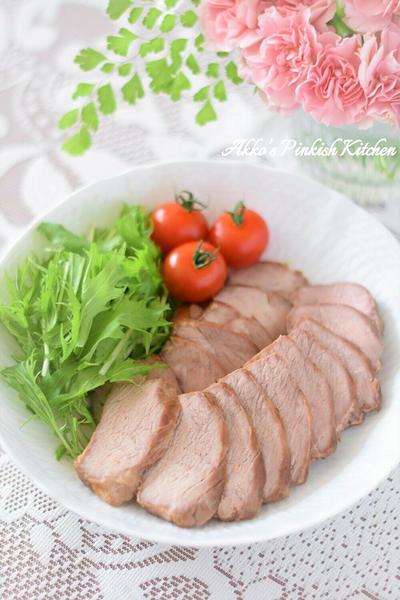 【おもてなし】簡単♡赤しそ梅酢で作る『焼き豚』♪漬けて焼くだけ!梅雨時のお弁当にもピッタリ!