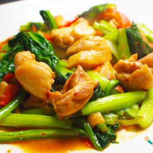 ミネラル豊富な葉野菜「小松菜」を使った炒め物レシピ