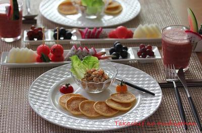 ■じゃがいものブリニとサーモンのタルタルで朝ごはん