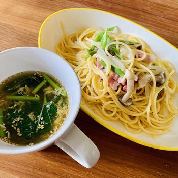 パンチェッタといんげんのパスタ、モロヘイヤと卵のスープ 【15分レシピ】