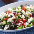 【簡単ヘルシーレシピ】夏野菜たっぷり♪ギリシャ風サラダ