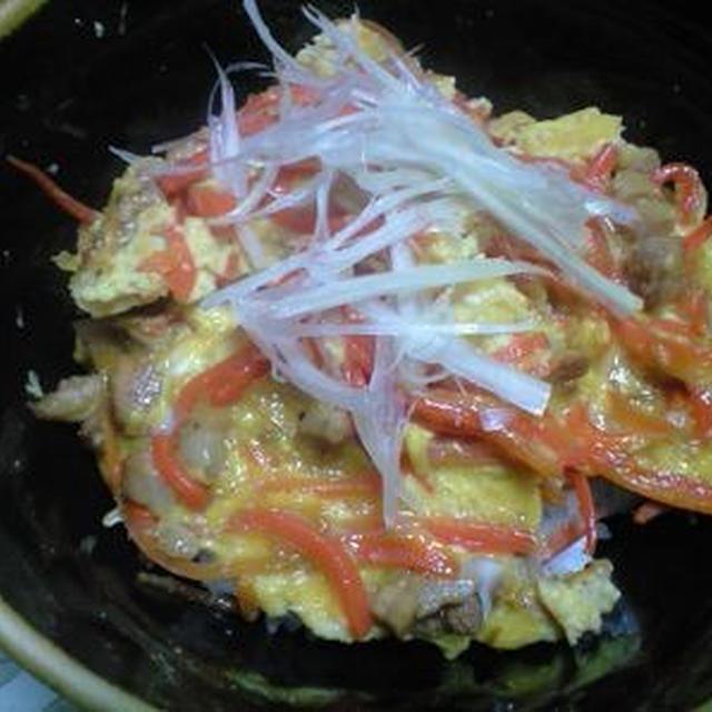 チャーシューの卵とじ丼、白菜の酒蒸し、ごぼうの柳川風