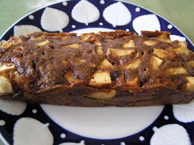 リンゴのスパイシー味噌ケーキ