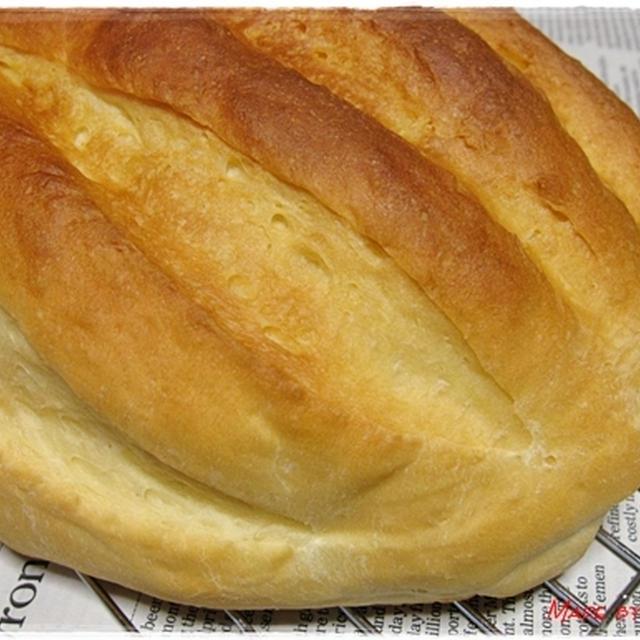 ヨーグルトとはちみつのパンwithイチゴジャム