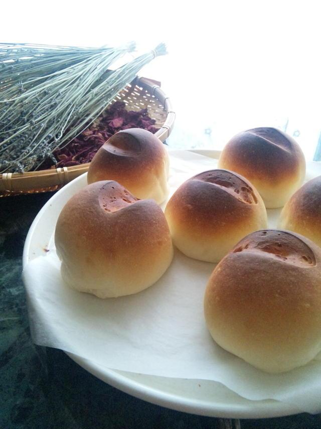 2. 米粉100%のテーブルパン