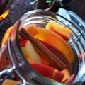 週末仕込み 柿と林檎フルブラ フルーツブランデー by 青山 金魚さん