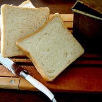 消費を兼ねて・・生クリーム食パン&にゃ♪