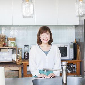 """""""適度に見せる""""で、キッチンのごちゃつきを解消!~大石亜子(あこ)さんの「世界一楽しいわたしの台所」"""