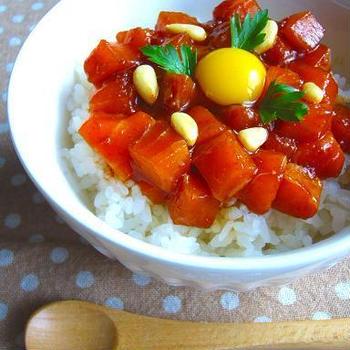 お刺身を使ってお手軽に♪サーモンで作る「丼もの」レシピ5選