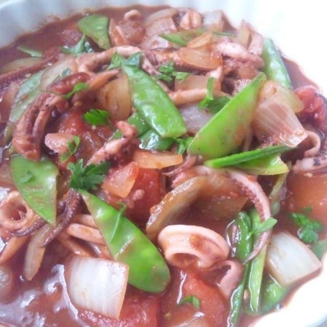 イカゲソと玉ねぎのトマト煮