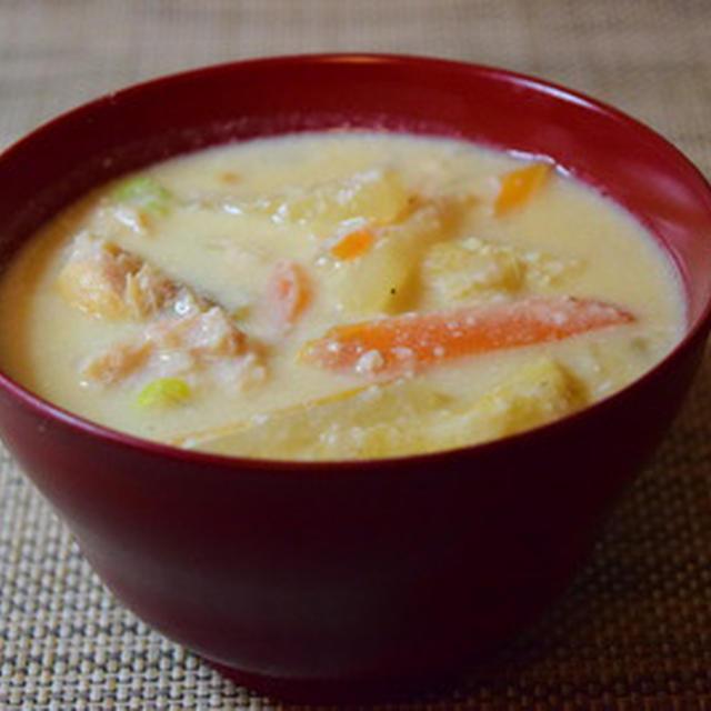 おふくろの味。京都から届いた酒粕で、鮭の粕汁 1回で恵方巻、細巻をマスターする講座。1月22日(水)募集中