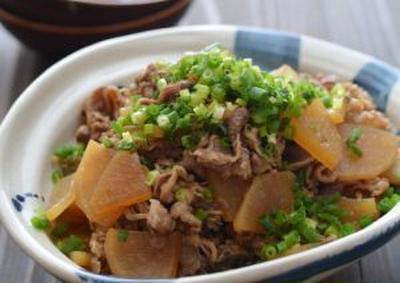 牛大根の炒め煮。となすときゅうりのしょうがおかかの晩ごはん。
