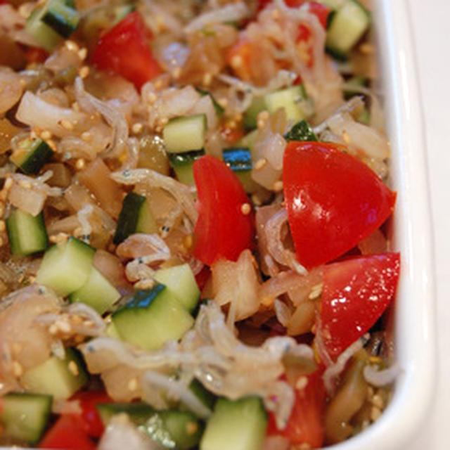 ザーサイ入りトマトと新玉ねぎの中華風マリネ