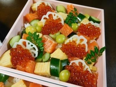 本日、私◯◯歳のお誕生日です!!豪華海鮮ちらし寿司
