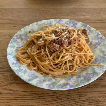 トマト煮の煮汁でリメイクパスタ料理