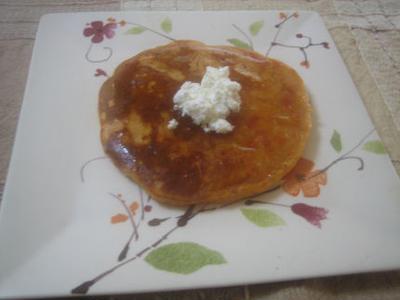 トマト好きの朝ごはん トマト味ホットケーキ