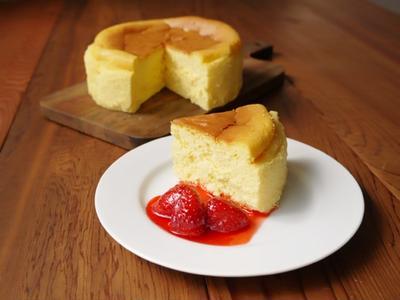スフレチーズケーキ withいちごソース