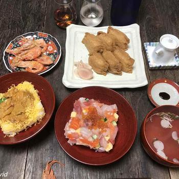 角上魚類雲丹丼・ばらちらし・稲荷・甘海老唐揚げ・粒餡草餅