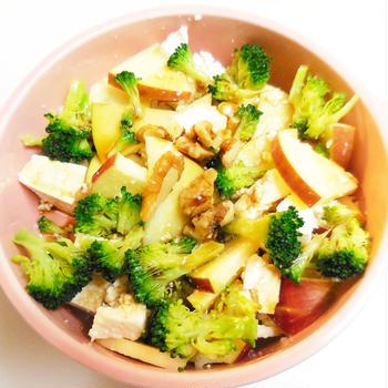さっぱりおいしい亜麻仁油で豆腐サラダ♪