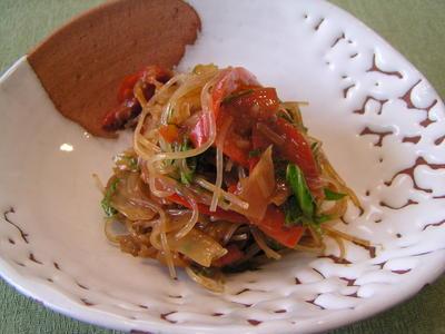 りーちゃんカフェオープン!まずは・・・春雨とセロリとパプリカの味噌サラダ
