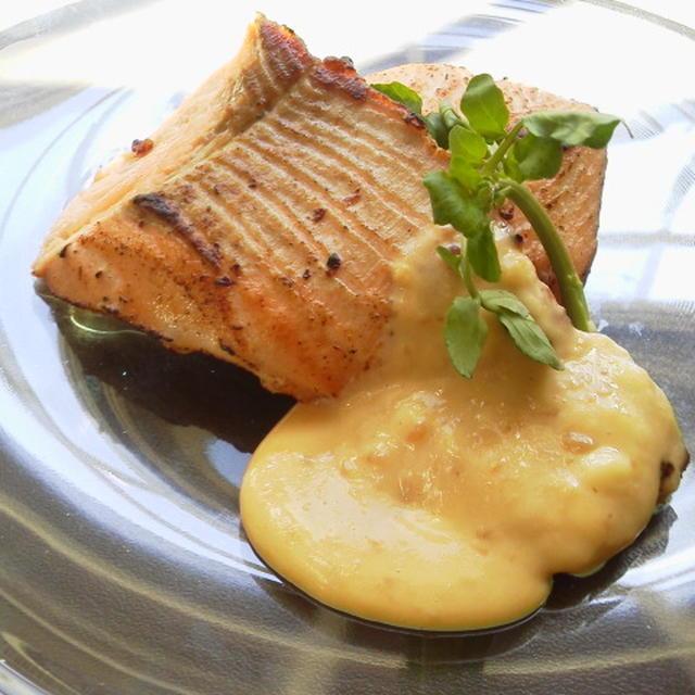 醤油糀で鮭のソテー豆乳チーズのソース~お弁当にも