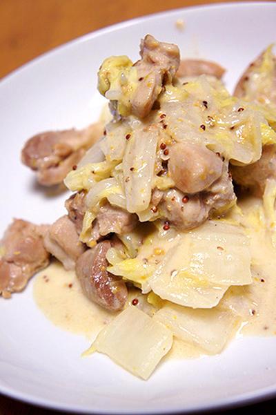 ホロホロ簡単♪スノーボールクッキーと鶏肉と白菜の生姜マスタードクリームソース