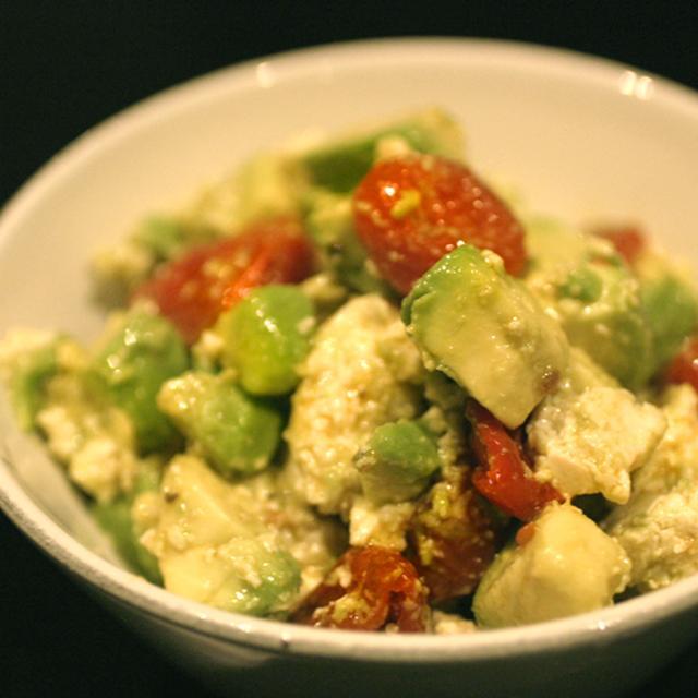 アボカドとお豆腐とトマトのサラダ