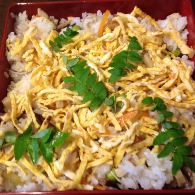 チラシ寿司 Chirashi-zushi