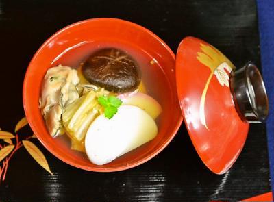 我が家に伝わる【広島 牡蠣雑煮】