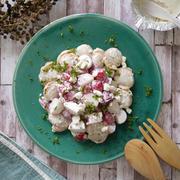 簡単!切って混ぜるだけ|新年のホームパーティに♡お祝いカラーなサラダ|【ラディッシュとホタテのブルサンサラダ】