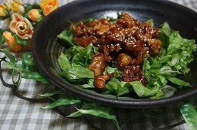 黒酢とピリ辛パワーで豚料理