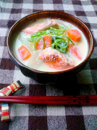 鮭の豆乳味噌汁