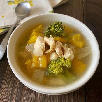 【レシピ】チキンと野菜を食べるスープ (と糖質オフコラムのはなし。
