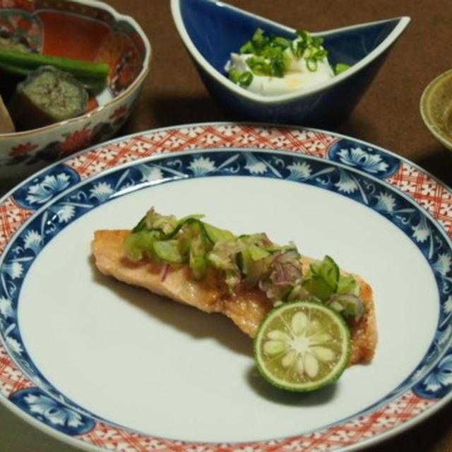 秋鮭の香味野菜のせ和風ムニエル  海老詰め高野豆腐の煮物  明太子のポテトサラダ