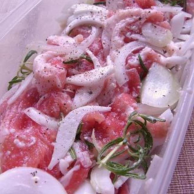 塩レシピ63 豚肉と玉ねぎの塩麹炒め ローズマリー風味